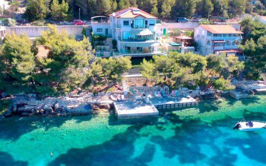 villa v horvatii na pervoj linii